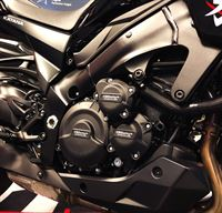 GBRacing-covers-on-GSXS1000-L5