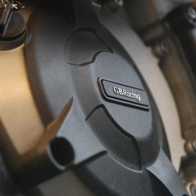 EC-S1000RR-2009-2-GBR-640-P3