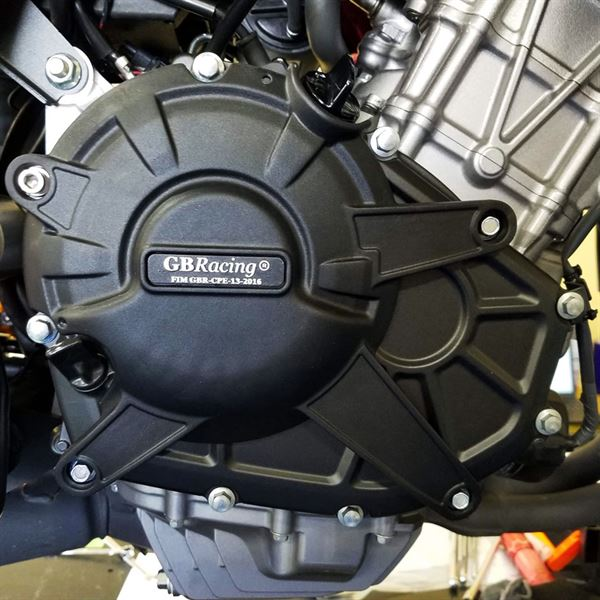 EC-CBR250RR-2016-2-GBR_onbike